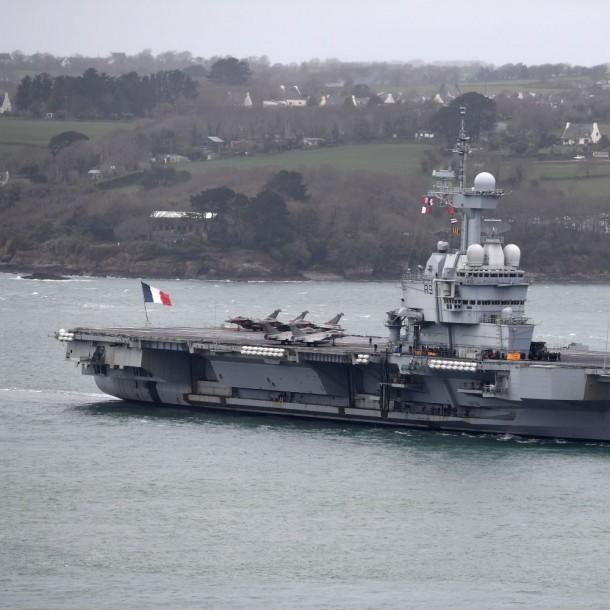 Coronavirus es detectado en portaaviones francés que no tocaba tierra hace casi un mes
