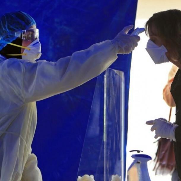 Ingenieros peruanos crean brazalete anticontagio de coronavirus
