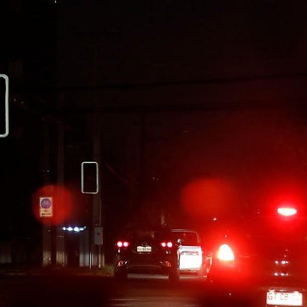 Corte de luz afecta a diferentes sectores de La Florida, Macul y Peñalolén