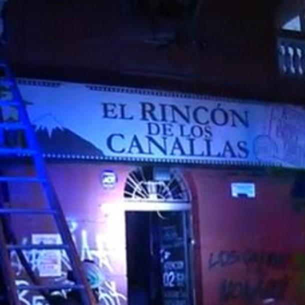 Incendio destruye parte de tradicional restaurante de Santiago