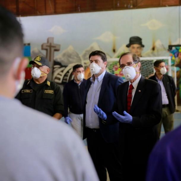 Autoridades visitan cárcel de Puente Alto para verificar condiciones del recinto por casos de Covid-19