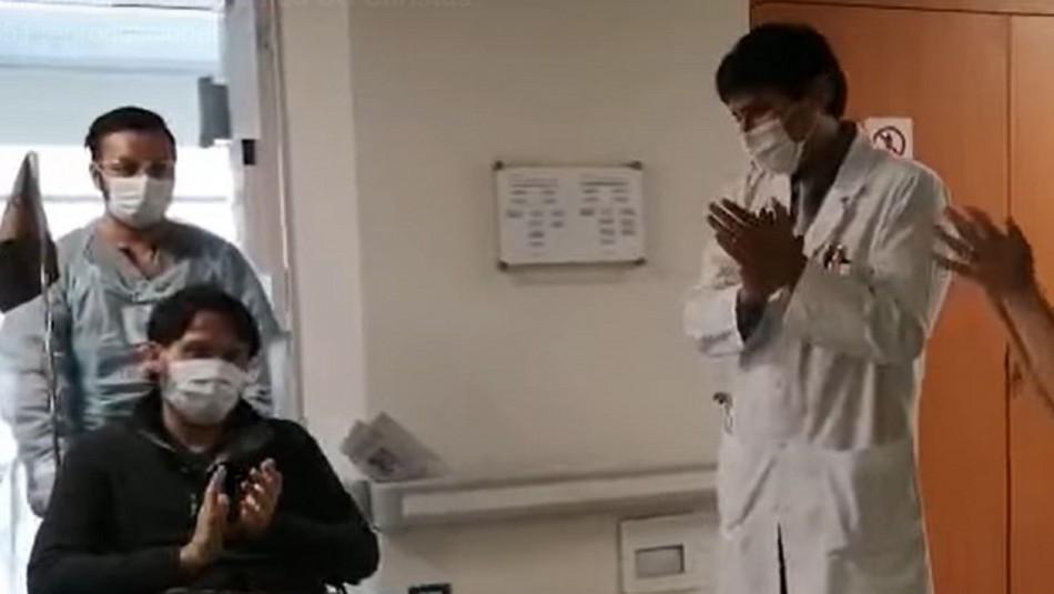 La emocionante despedida de clínica chilena para su primer paciente dado de alta de coronavirus