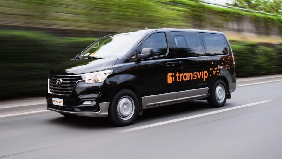 Sueldo de $1.6 millones: Buscan a 500 conductores para transportar pasajeros en el aeropuerto