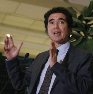Ministro Briones arremete contra segundo 10% de la oposición: