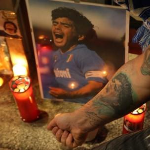 Cuerpo de Diego Maradona llega a la Casa Rosada para ser velado