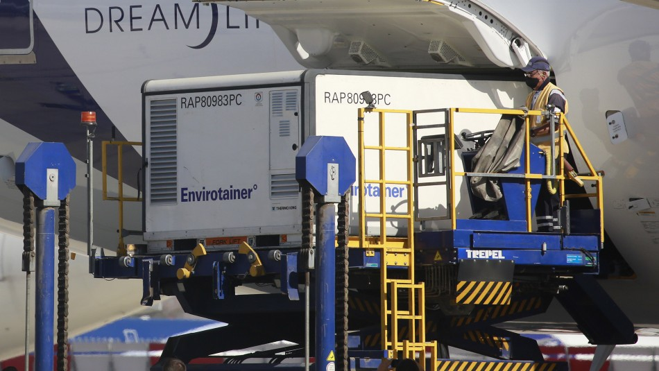 Llega a Chile el cargamento más grande de vacunas: 2 millones de dosis de Sinovac