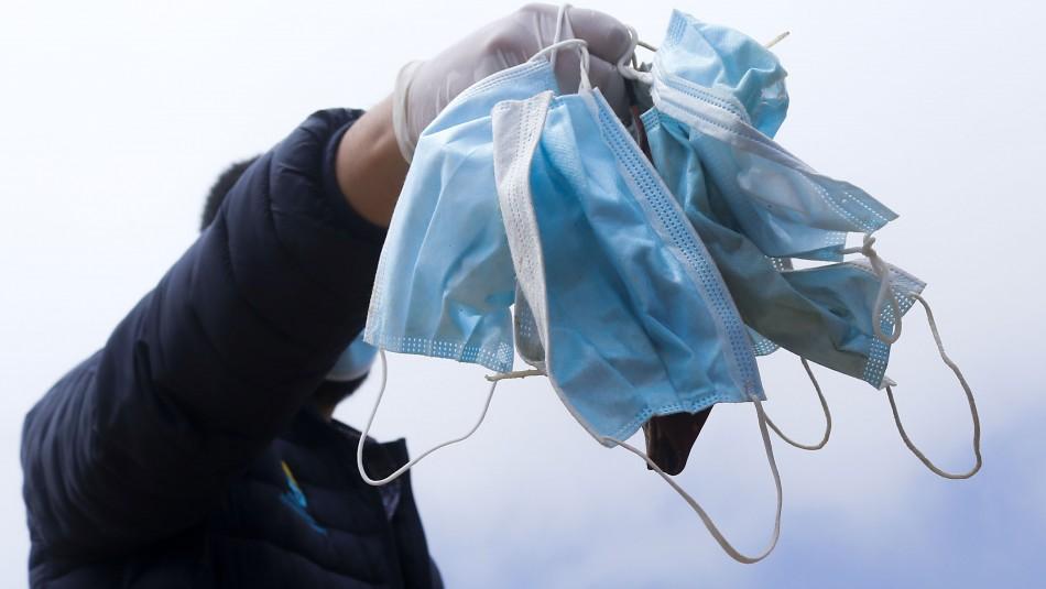 A un año de la pandemia en Chile: Aún hay quienes caen en el error de no usar mascarilla