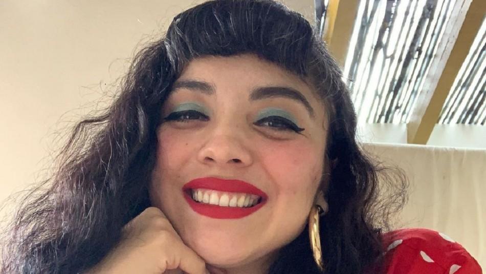 Dejó atrás el color negro: Mon Laferte sorprende con radical cambio en su cabello