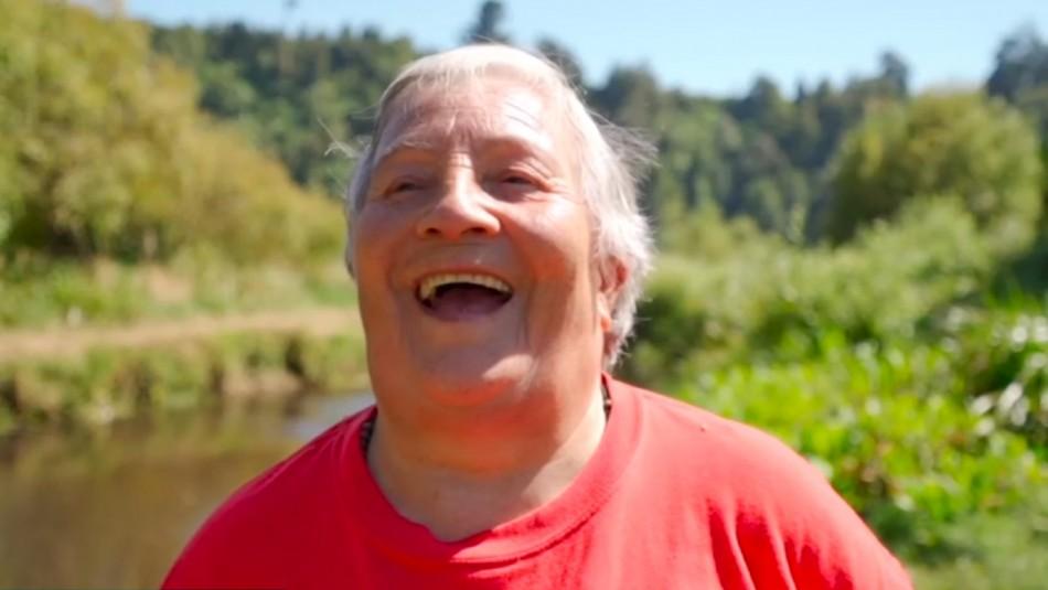 Premiada por hacer patria: Mujer de 75 años se convierte en dueña de isla del sur de Chile
