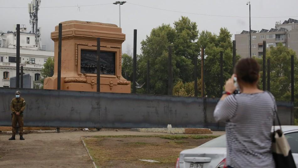 Así luce estatua del general Baquedano.
