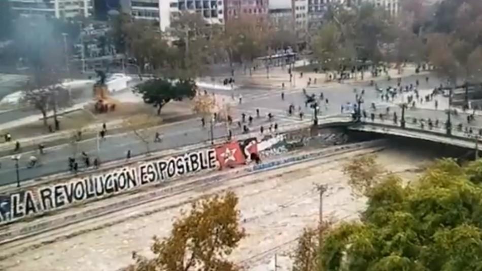 Incidentes en Plaza Italia dan paso a cortes de tránsito y cierres en el Metro