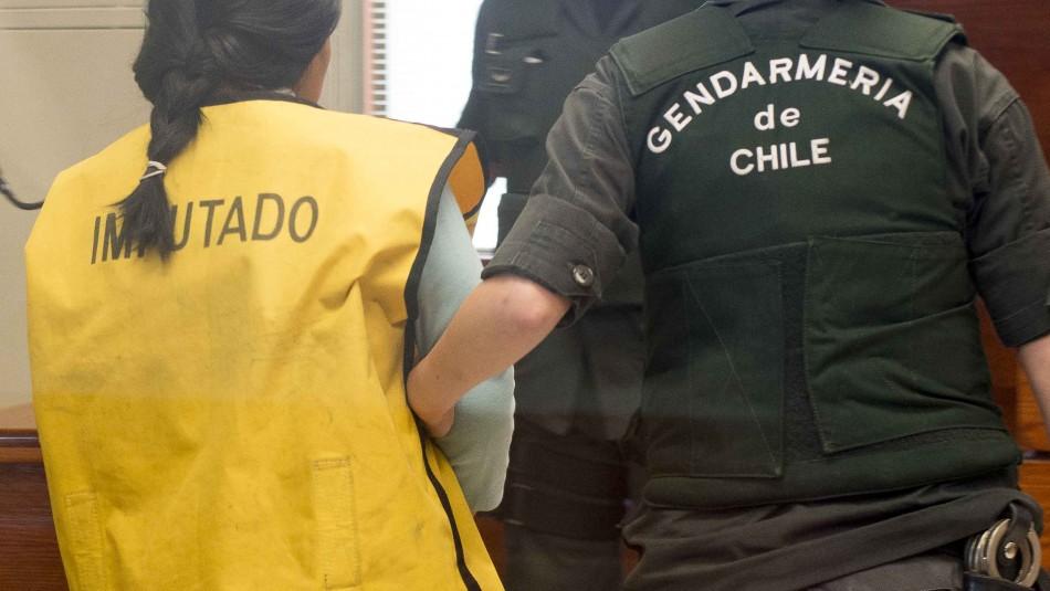 Mujer acusada de matar a un hombre a fierrazos seguirá en prisión preventiva