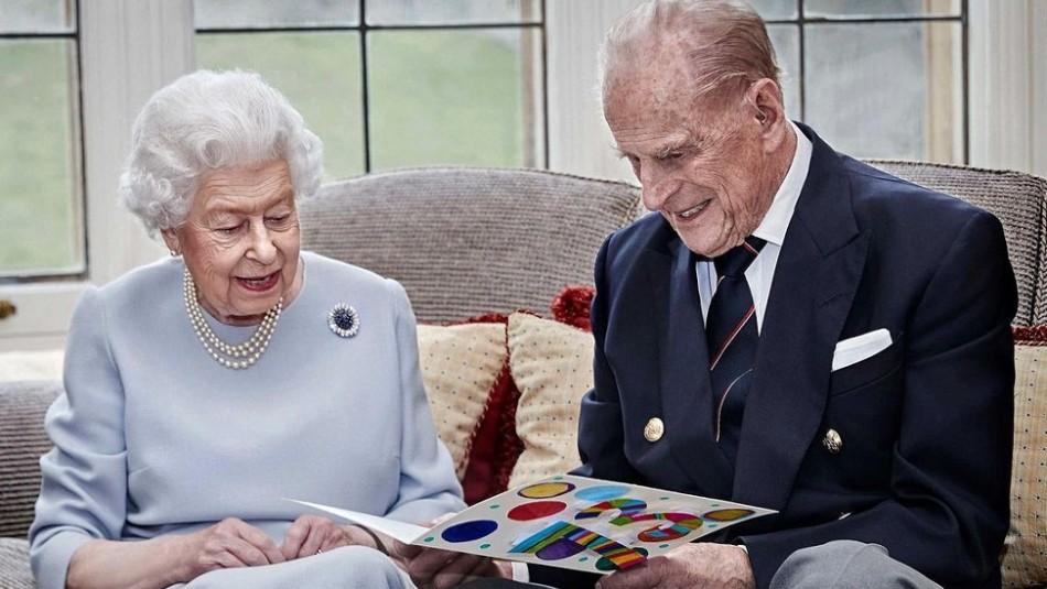 La historia de amor de la reina Isabel II y el príncipe Felipe tiene 74 años: Así se conocieron