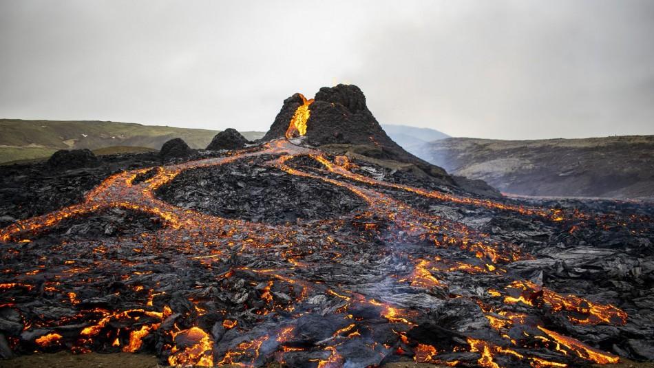 Volcán despierta luego de 800 años y