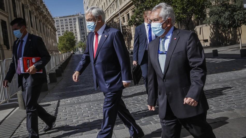 Piñera cita a ministros para evaluar escenario de aplazamiento de las elecciones de abril