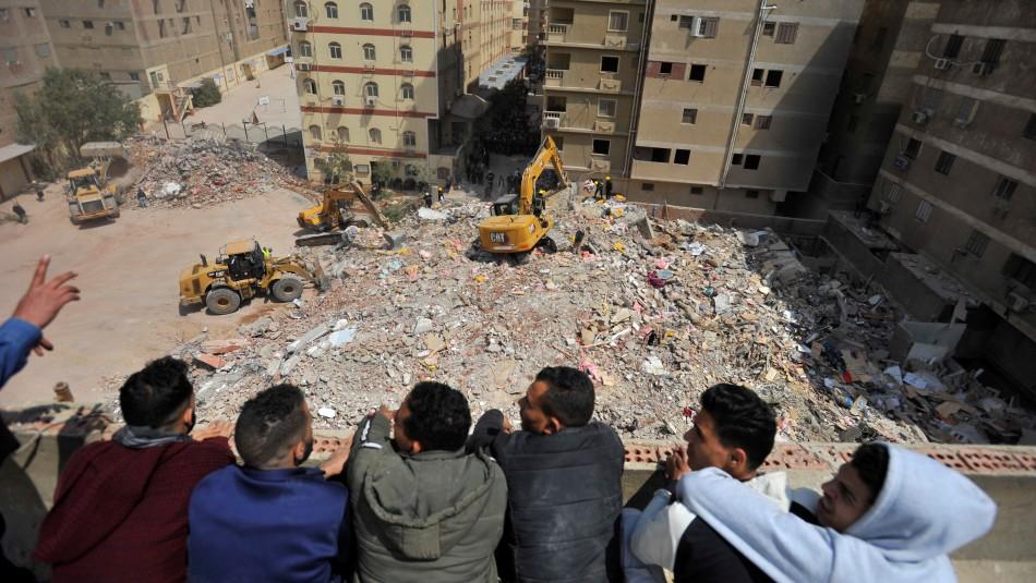 Derrumbe de edificio en El Cairo deja un saldo de 18 muertos