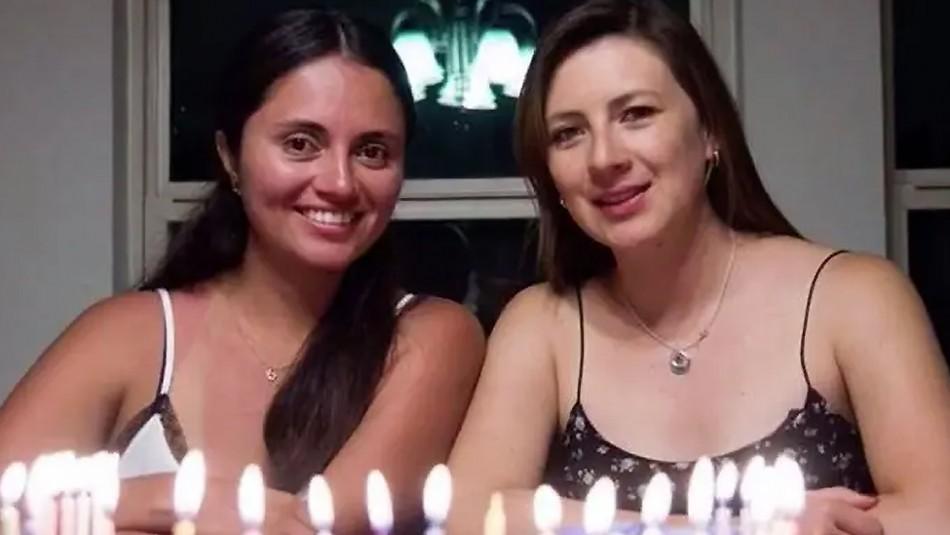 Se conocieron en la universidad y descubrieron que fueron intercambiadas al nacer 21 años antes