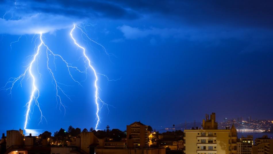 Emiten aviso por probables tormentas eléctricas en la zona sur del país