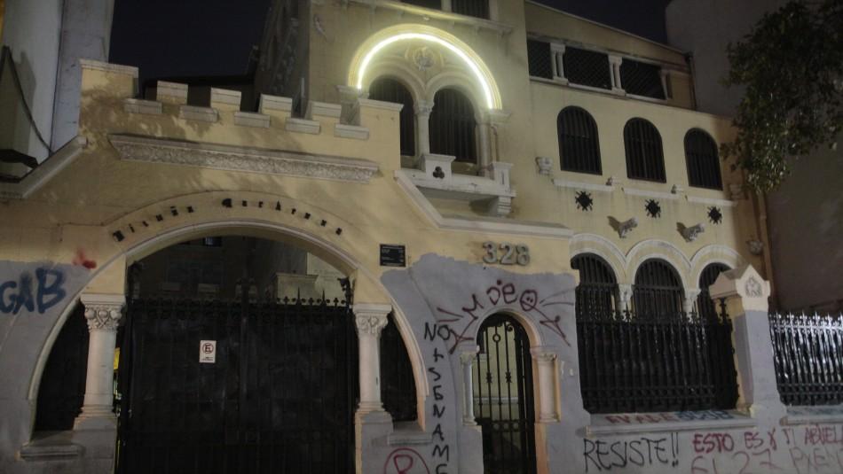 Hotel funcionaba como motel en Providencia: 10 personas fueron detenidas