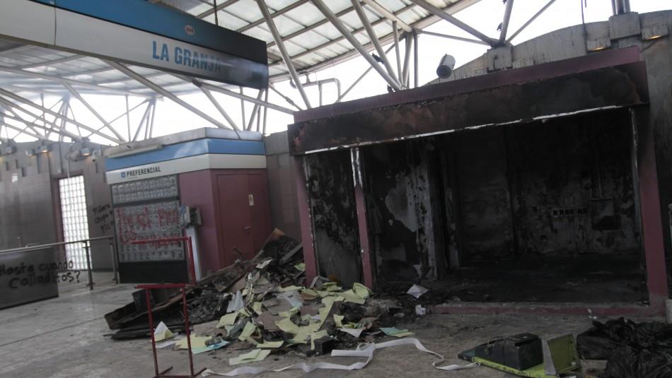 540 y 800 días de presidio para dos condenados por incendio de estación de Metro La Granja