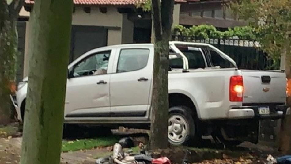 Tras ser asaltado en banco, persiguió a los ladrones y los atropelló con su camioneta: Uno murió