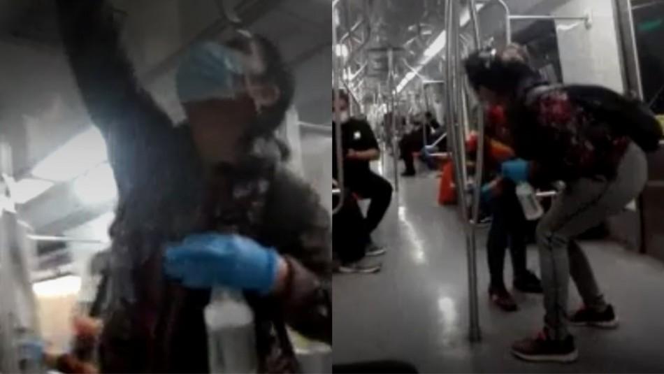 Mujer se dedica a sanitizar el Metro.